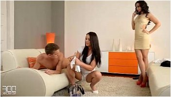 mom massage threesome