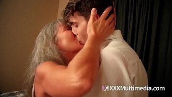 small son xxx mom video