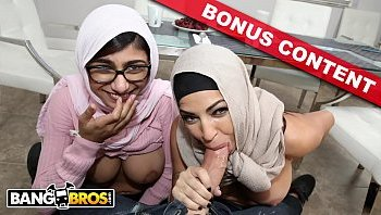 hot arab girl masturbating mia khalifa tries a big black ...