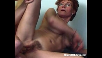moms hairy puss